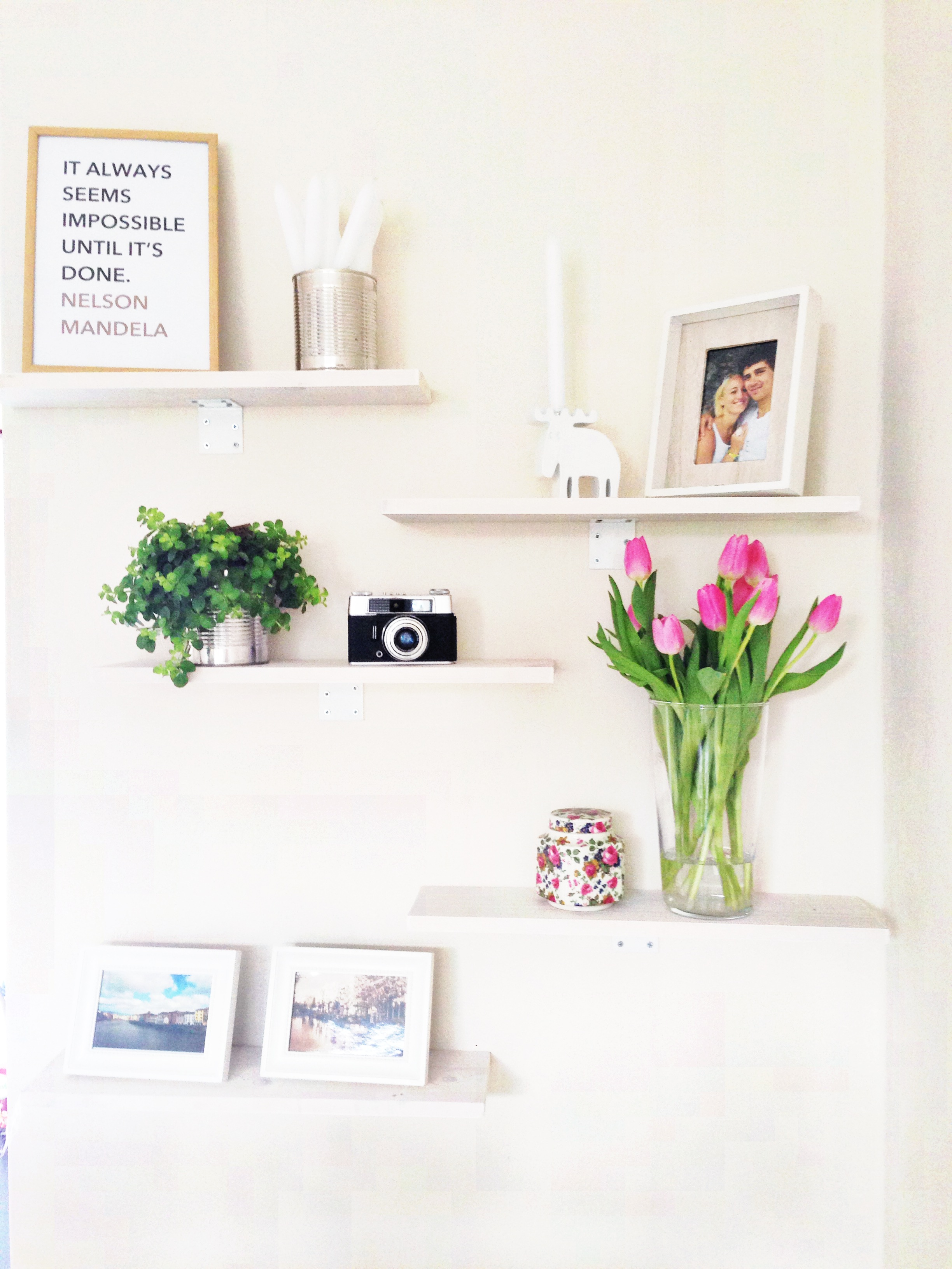 Do it yourself collage van planken donebymyself - Witte muur kamer ...