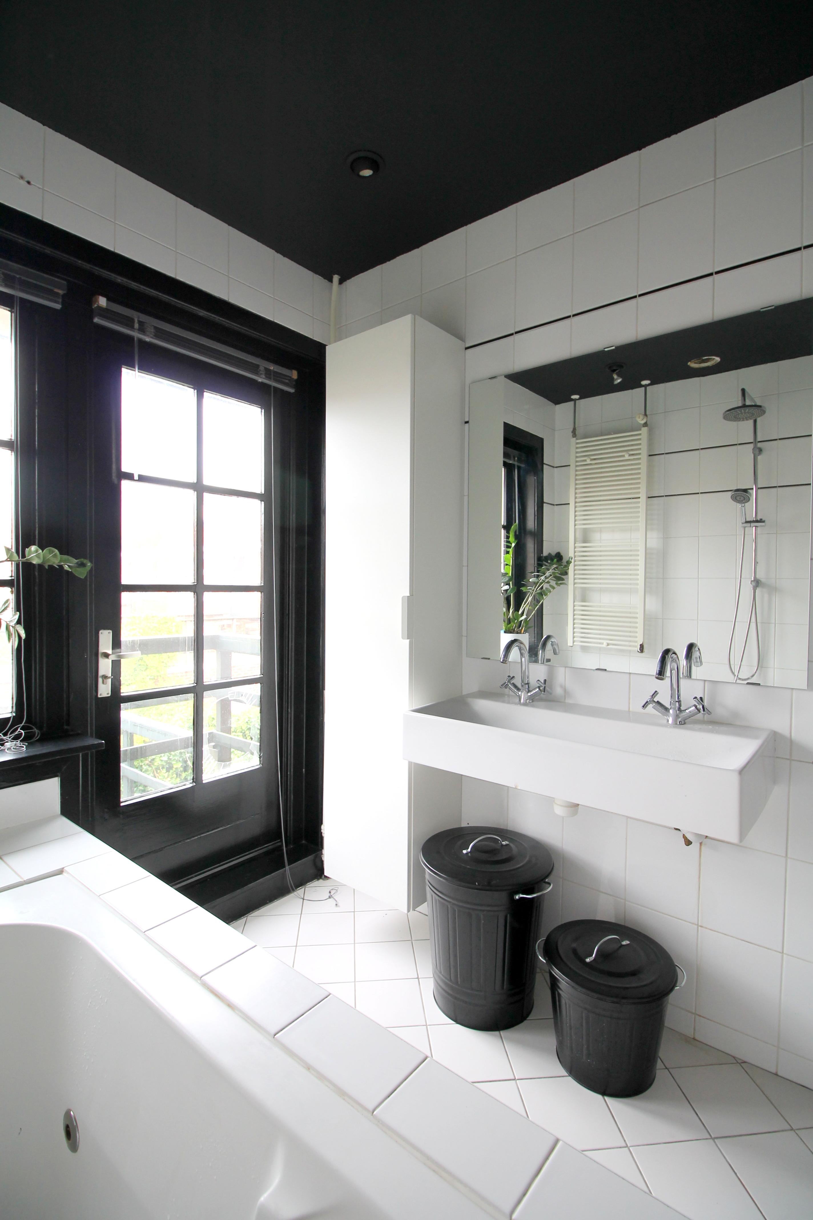 Renovating Pt 15 Black Ceiling Bathroom Donebymyself
