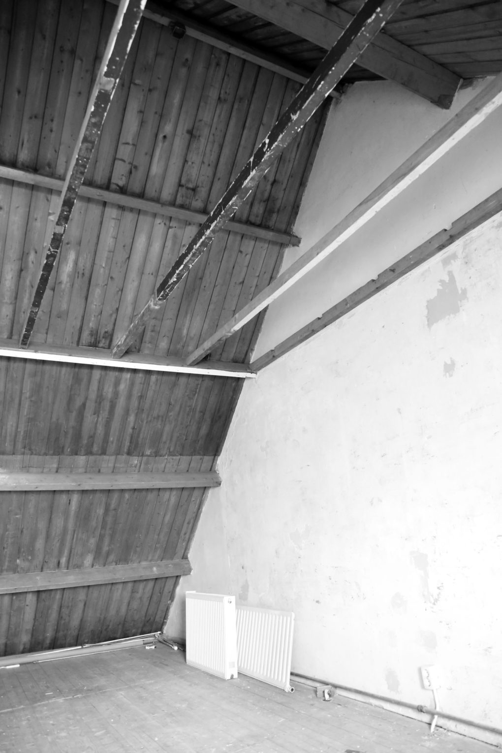 Renovation attic: before the dormer